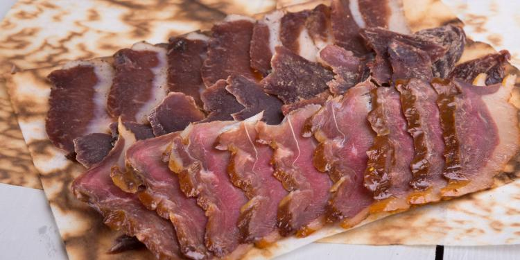 La viande séchée : un nouveau goût dans vos assiettes ...